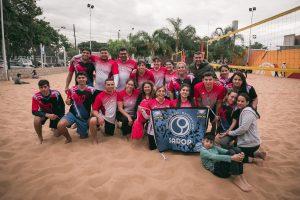 Lee más sobre el artículo Beach vóley mixto: la única regla es divertirse con arena
